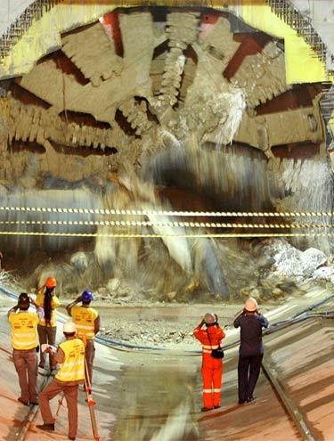 Obra da linha 4 do metrô de SP - Andrade Gutierrez, Odebrecht, OAS, Camargo Correia e Queiroz Galvão fazem parte do consórcio responsável pela obra